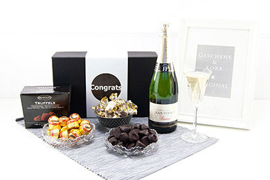 Personalized Gifts CHAMPAGNE & COLLECTIONS to Europe