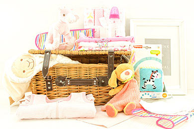 Baby Gifts Europe LITTLE DARLING GIFT BASKET FOR GIRLS