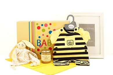 Baby Gift Basket SWEET AS HONEY for delivery in Europe