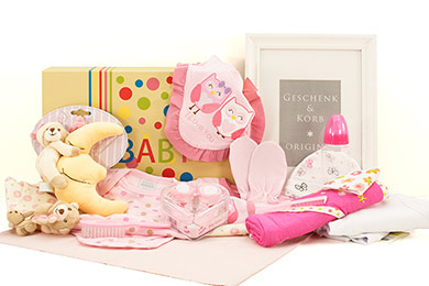 Baby Girl Gift Box SWEET DREAMS Send Gifts to Europe