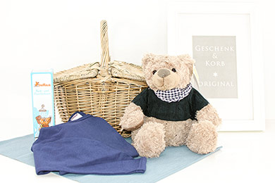 Send gifts to Europe TEDDY IN BASKET GIFTS FOR KIDS