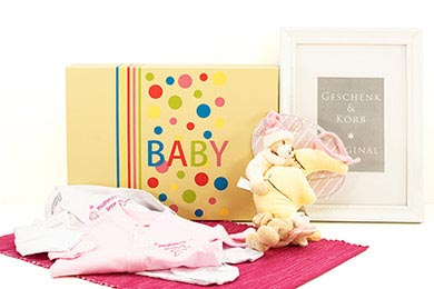 Baby Gift Hamper BABY DREAMING Gifts to Europe