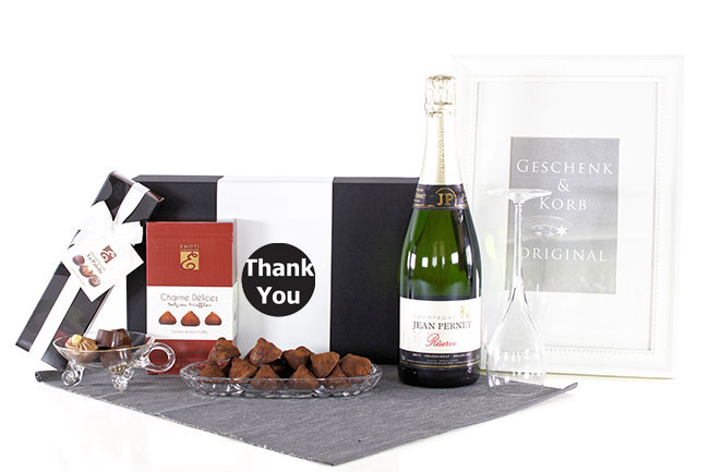 CHAMPAGNE & COLLECTIONS Personalized Gifts