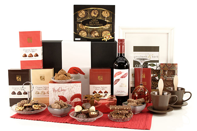 CHRISTMAS GREETINGS WINE & CHOCOLATE
