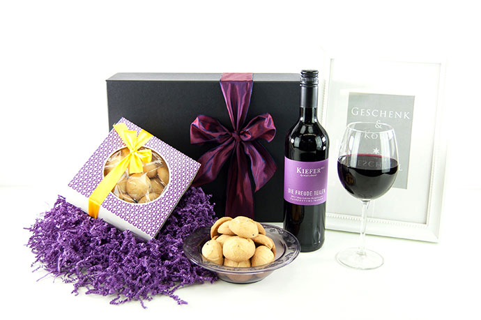 SHARE THE JOY | Red Wine & Lemon Cookies