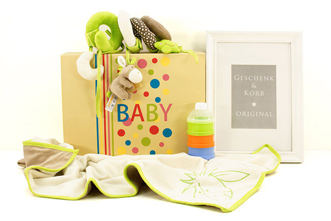WALK IN THE PARK | Gender neutral Baby Gift Box