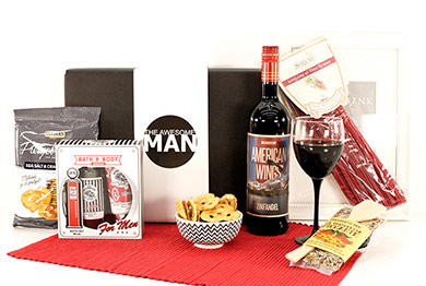 Mens gifts with USA red wine American Wings