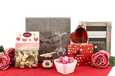Gift Baskets for Women FROM THE HEART  to Europe