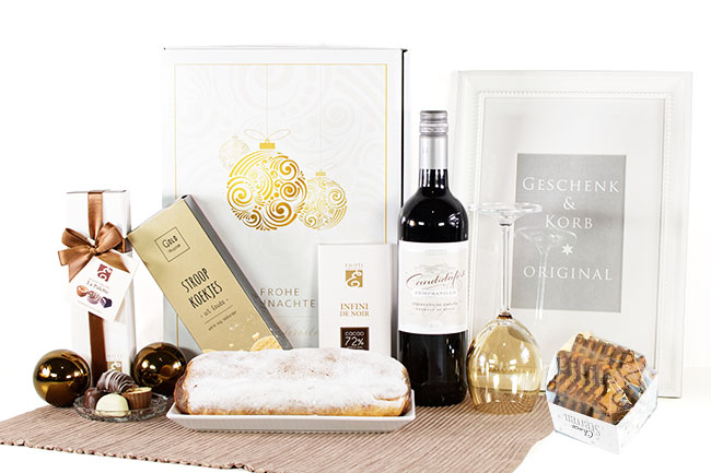 GOLDEN TREASURE | Wine & Cake & Cookies