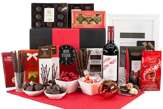 WINE & CHOCOLATE GIFT BASKET